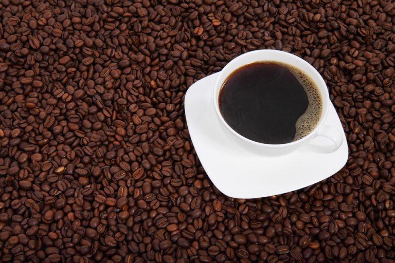 Koffein ist im Kaffee